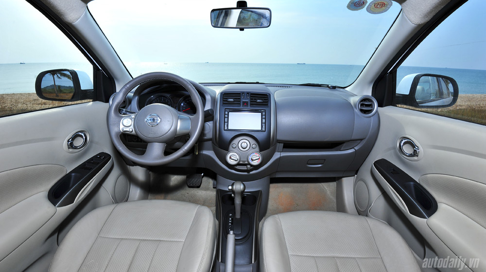 Nissan Sunny 2 (35).jpg