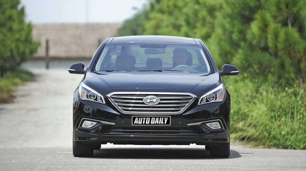 Hyundai Sonata 2014 (12).jpg