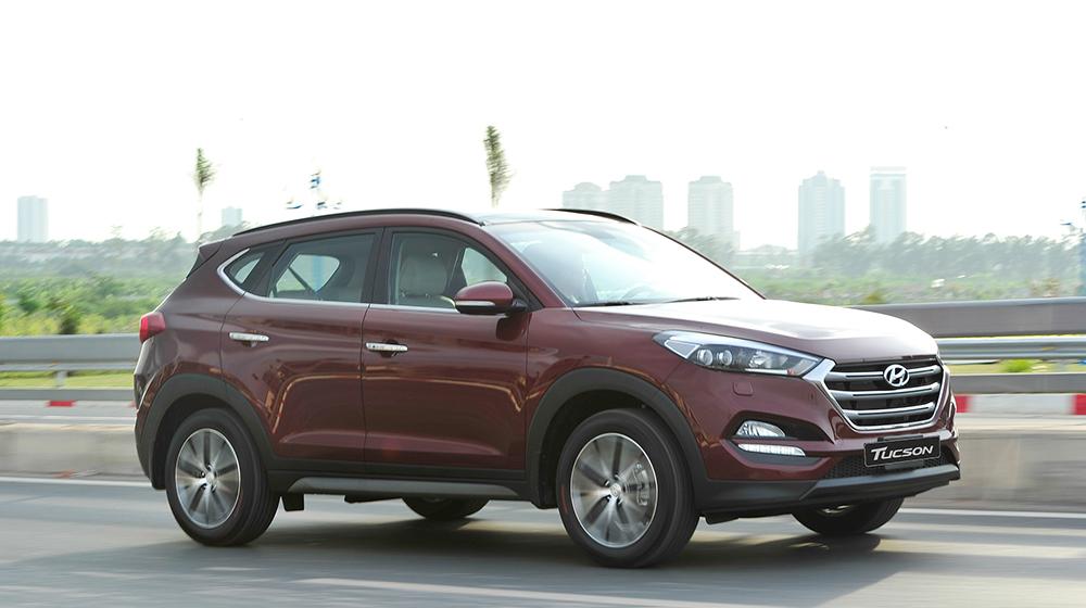 Hyundai_Tucson_Mazda CX_5_Honda_CR_V (75).jpg