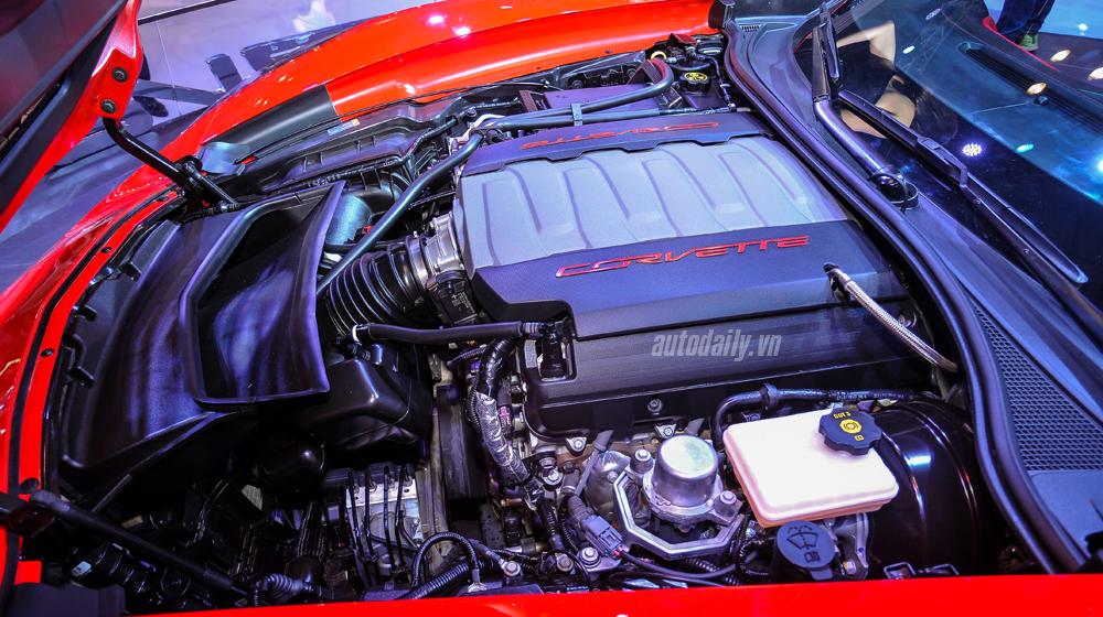 Chevrolet Corvette (1).JPG