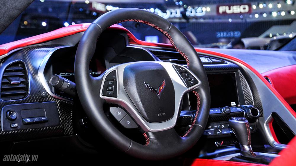Chevrolet Corvette (18).JPG