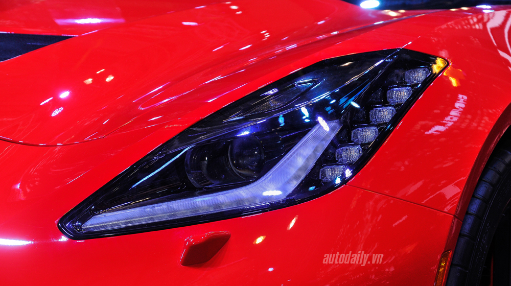 Chevrolet Corvette (6).JPG