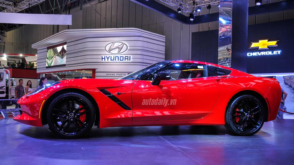 Chevrolet Corvette (8).JPG