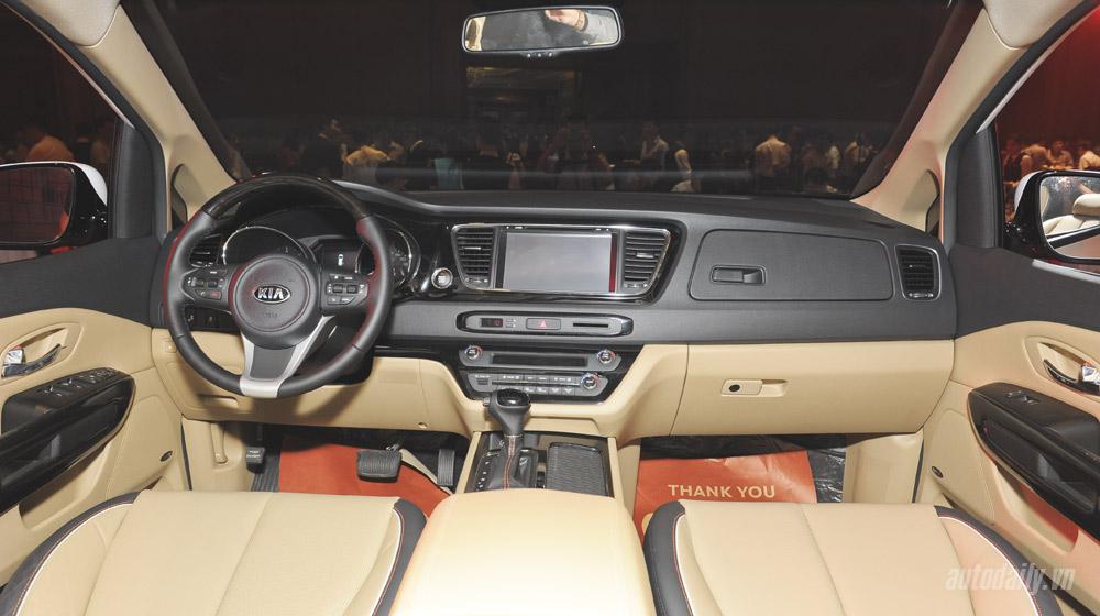 Kia Sedona (16).jpg Kia Sedona Kia Sedona và Honda Odyssey - cuộc đua phân khúc Minivan Kia 20Sedona 20 16