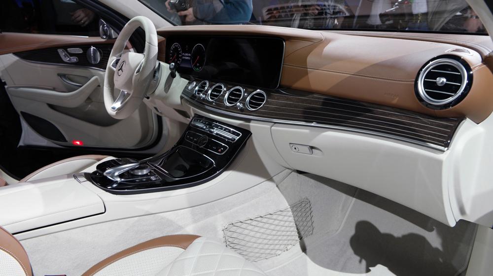 Mercedes E-Class 2016 (3).JPG