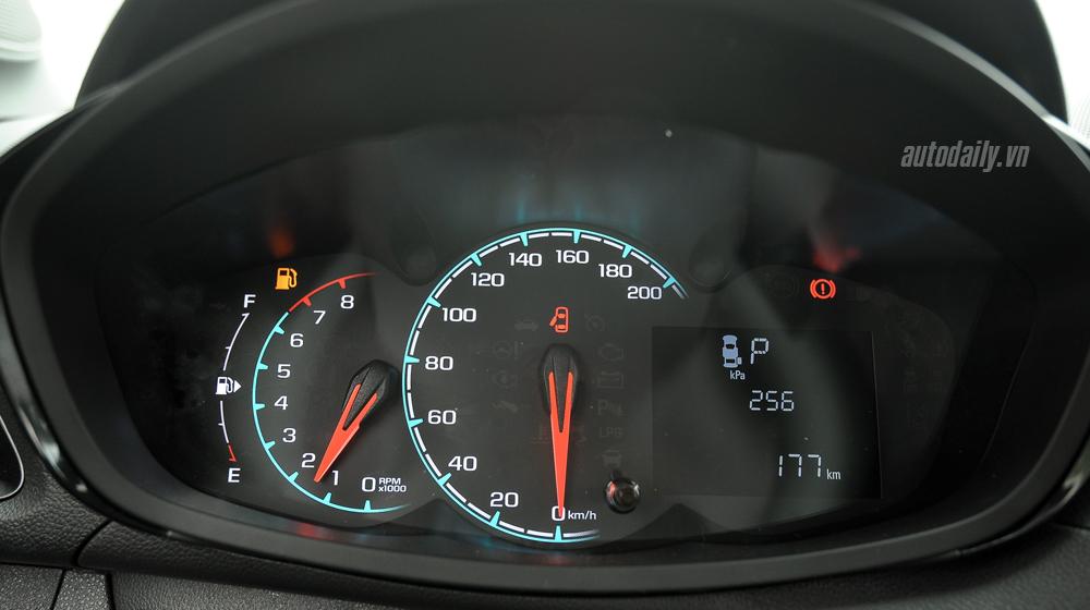Chevrolet Spark 2016 (26).jpg Chevrolet Spark van 2016 Đánh giá xe Chevrolet Spark Van 2016 tại Việt Nam Chevrolet 20Spark 202016 20 26
